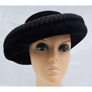 Vintage Jan Leslie Black Hat